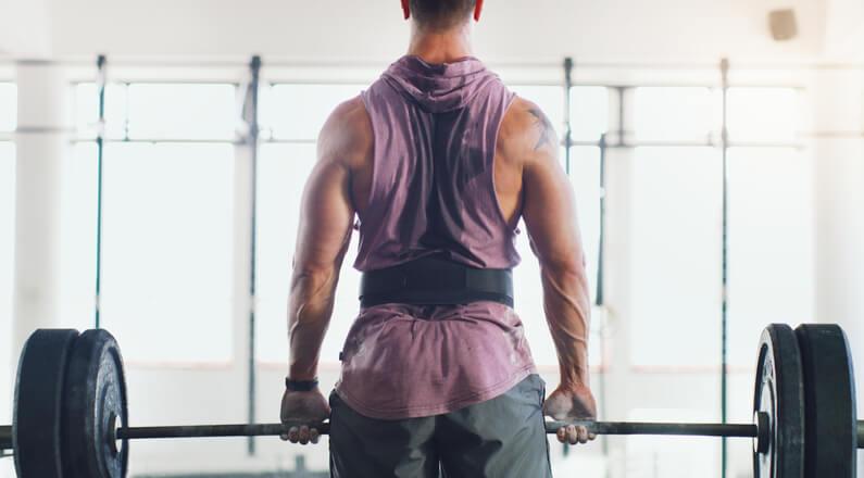 「教練我要大肌肌!」健身入門先練這6項基礎動作準沒錯