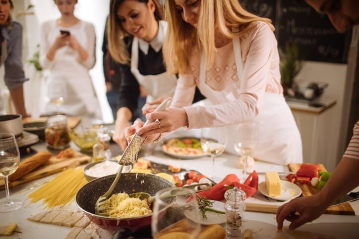 美食佳餚的團購活動,不僅需要文字能力來包裝商品,更關係到寫手對於粉絲的號召魅力。