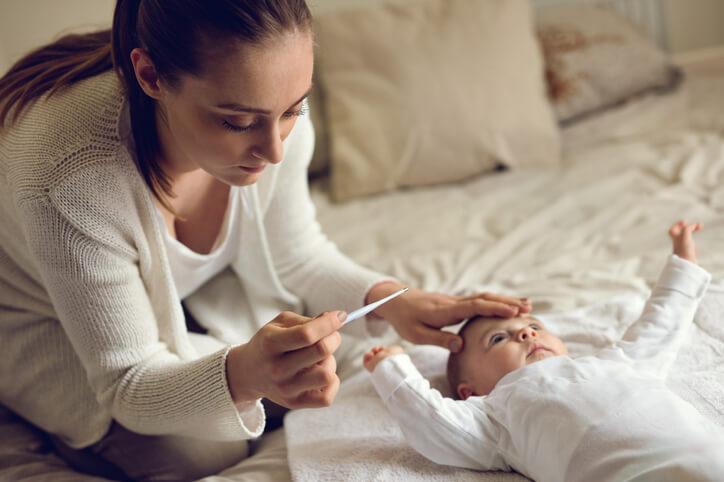 小嬰兒感冒了!新手爸媽必須先學起來的4個照顧步驟