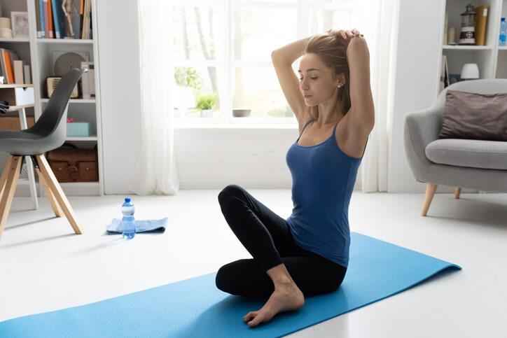 用瑜珈平衡你的身心靈!辦公室輕鬆做體式13招釋放工作壓力
