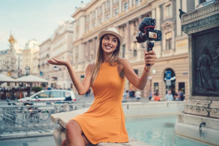 旅遊部落客也可以外接文字攝影、外包採訪等案子,在賺取費用的同時,也能繼續磨練文字跟攝影能力。